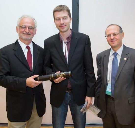 награда за научен принос